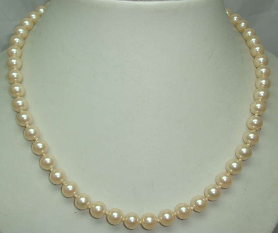 1950s Hand Knotted Simulated Faux Pearl Bead Necklace