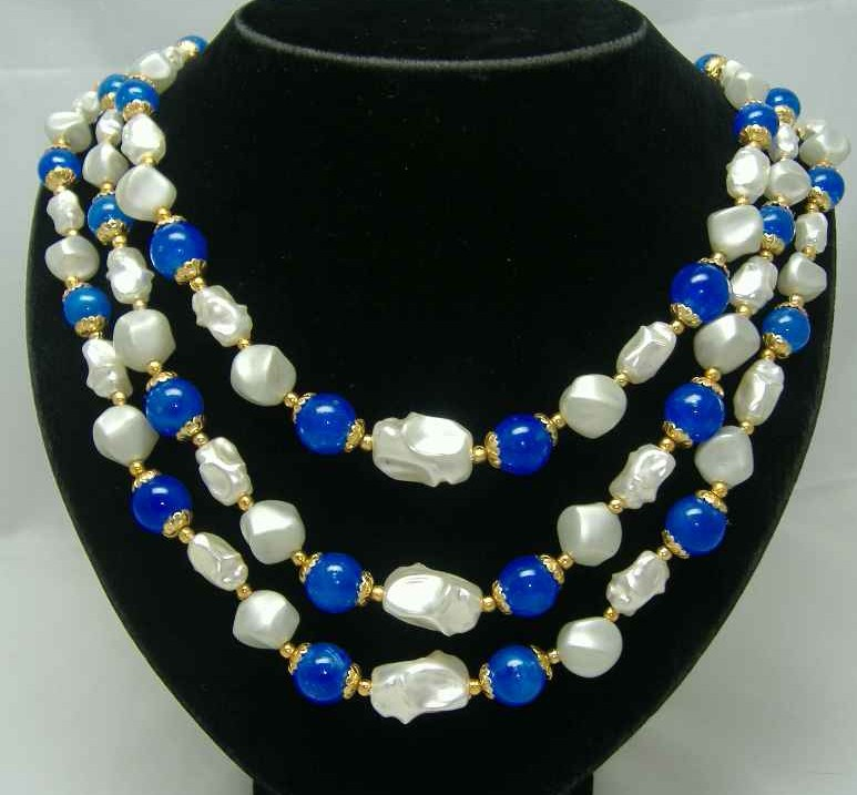 £16.80 - 1950s 3 Row Faux Pearl & Blue Bead Necklace Nice Clasp