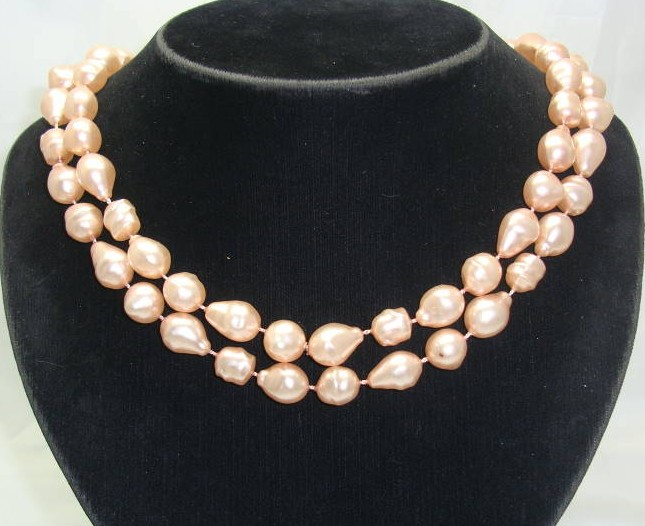 Vintage 50s Pink Baroque Faux Pearl Bead Necklace WOW
