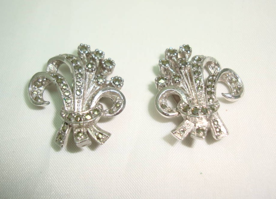 £20.40 - 1950s SPHINX Marcasite Floral Bouquet Clip On Earrings