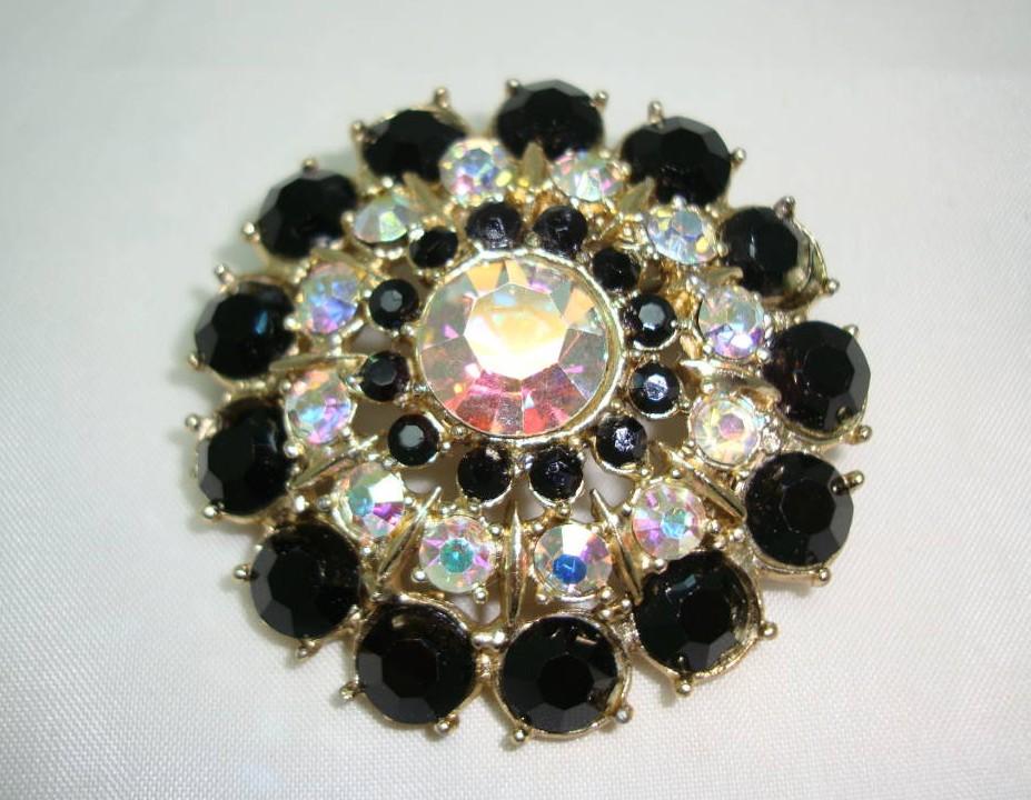 £19.20 - 1950s Big AB & Black Diamante Flower Shaped Brooch