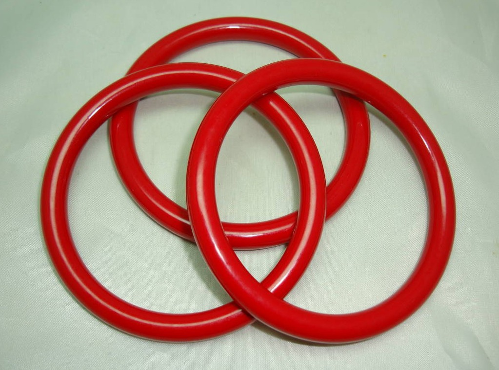 £22.40 - Vintage 70s Funky Set of Three Cherry Red Plastic Bangles Fun and Fab!