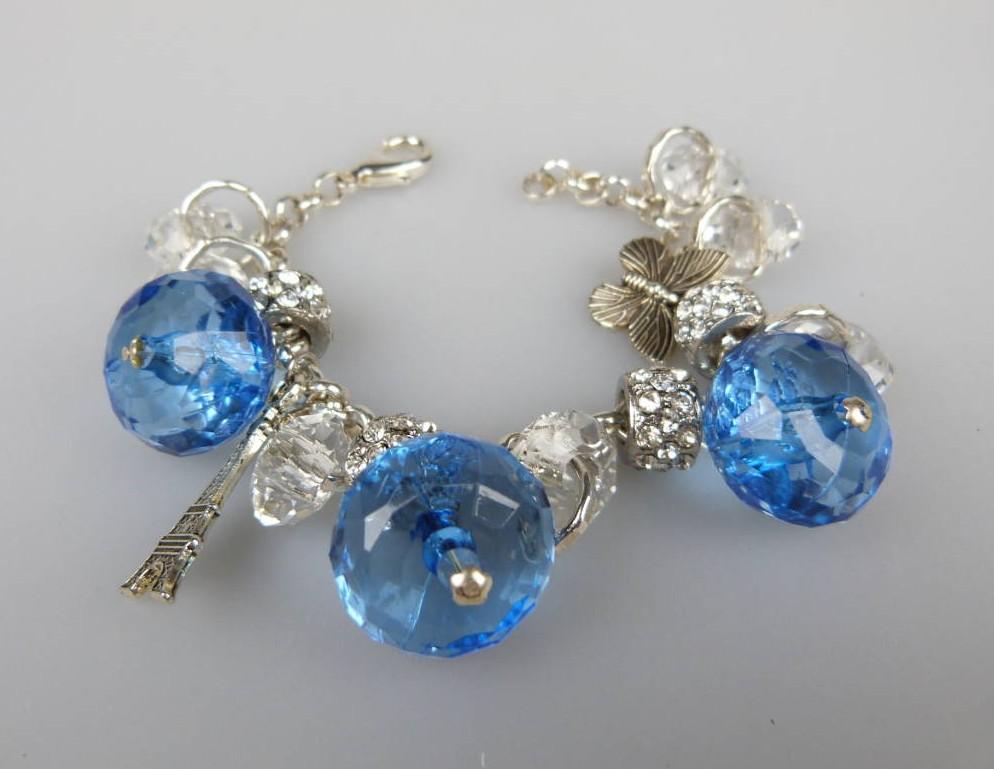 £20.00 - Fab Chunky Blue Bead Crystal Glass Sparkling Diamante Charm Bracelet
