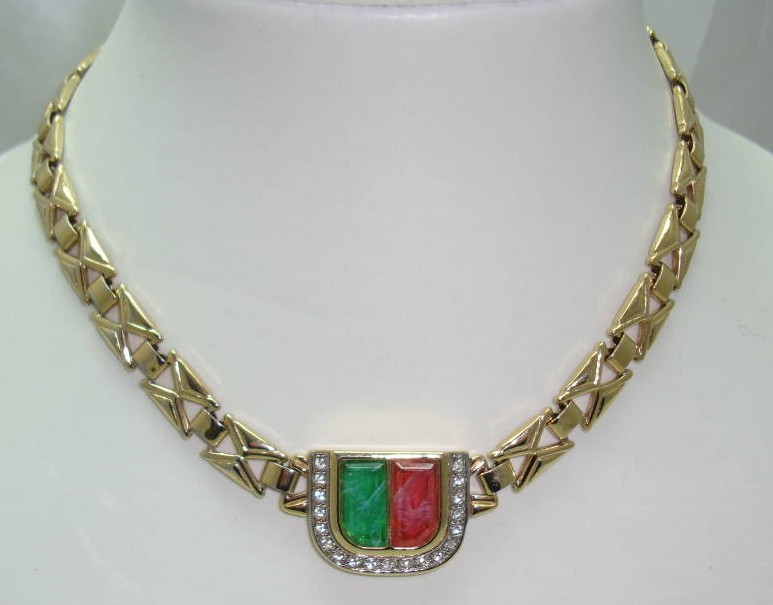 £24.00 - Vintage 80s  Red and Green Glass Diamante Fancy Gold Link Necklace FAB