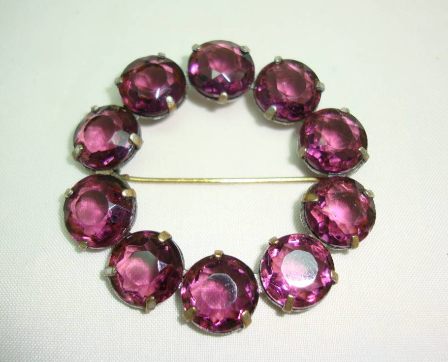 £19.20 - Antique Victorian Beautiful Amethyst Purple Paste Stone Garland Brooch