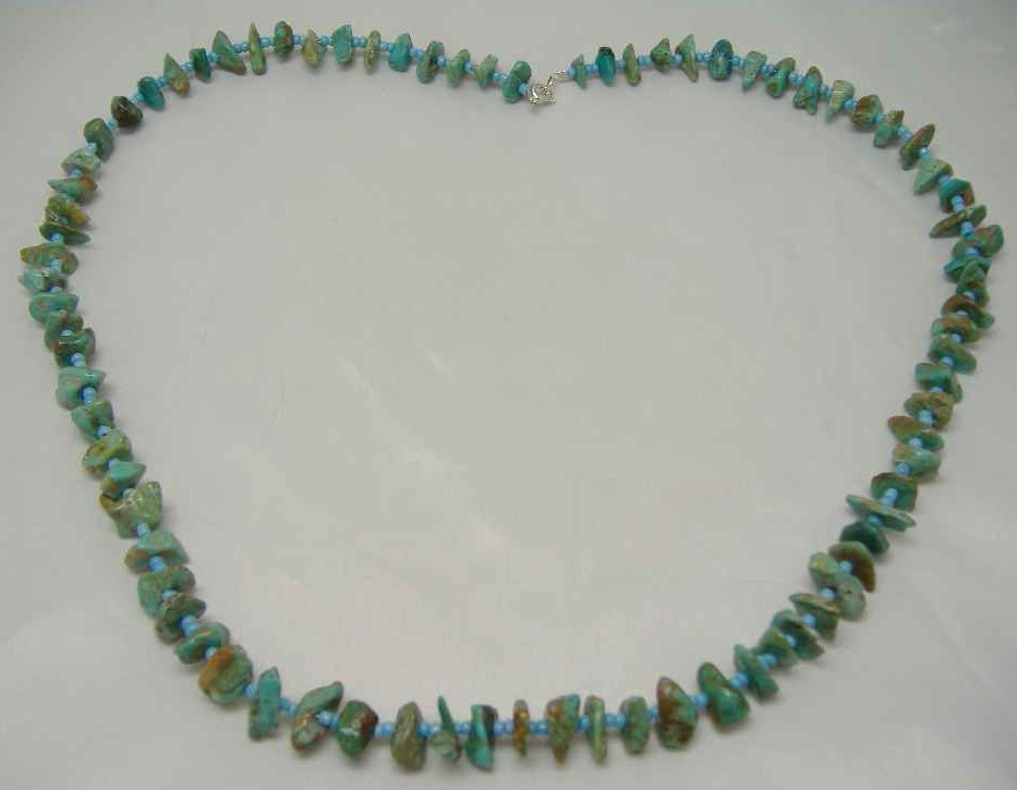 £9.60 - Vintage 28 Inch Real Turquoise & Glass Bead Necklace