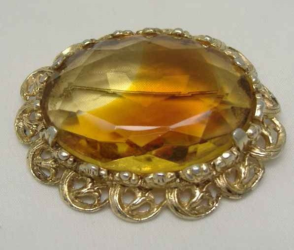 Vintage 1950s Huge Domed Amber Glass Diamante Gold Brooch