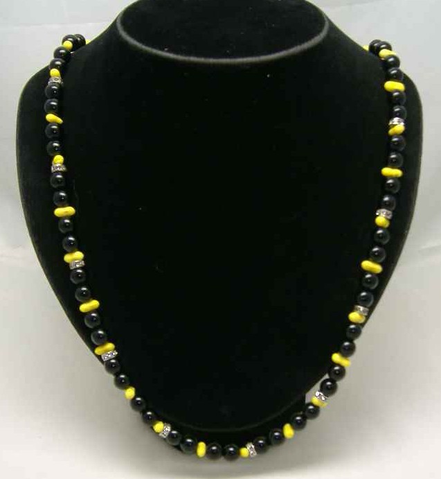 Vintage 50s Black & Yellow Glass Bead Diamante Necklace