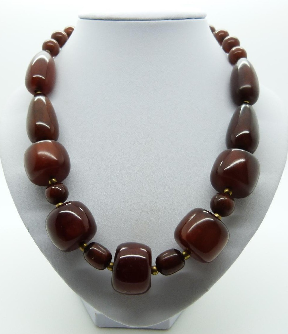 £15.00 - Vintage 70s STYLE Unusual Chunky Brown Moonglow Plastic Bead Necklace 54cms