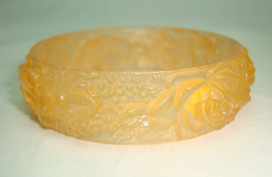 Vintage 30s Pretty Carved Flowers Celluloid Plastic Pale Orange Bangle