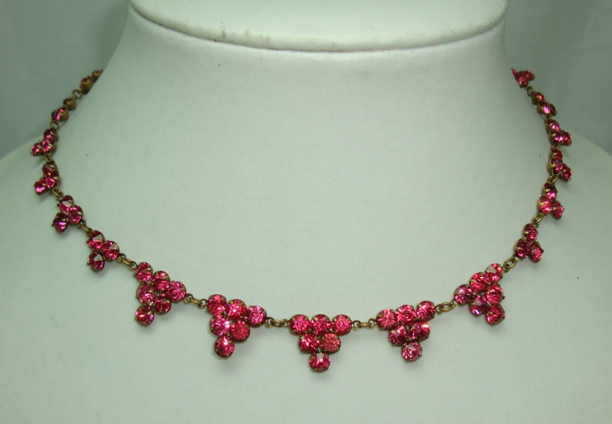 Vintage Art Deco Fab Pink Paste Diamante Triangle Drop Style Necklace