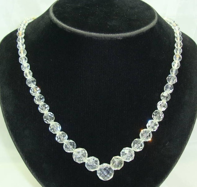 £18.00 - 1950s Beautiful Faceted Crystal Glass Bead Necklace WOW