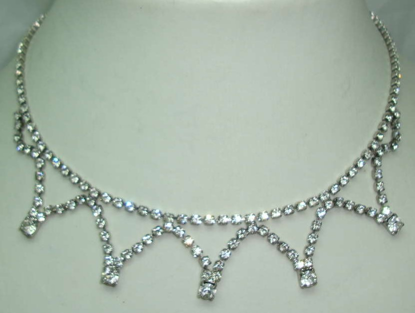 £20.40 - Vintage 50s Quality Sparkling Diamante 5 Drop Necklace