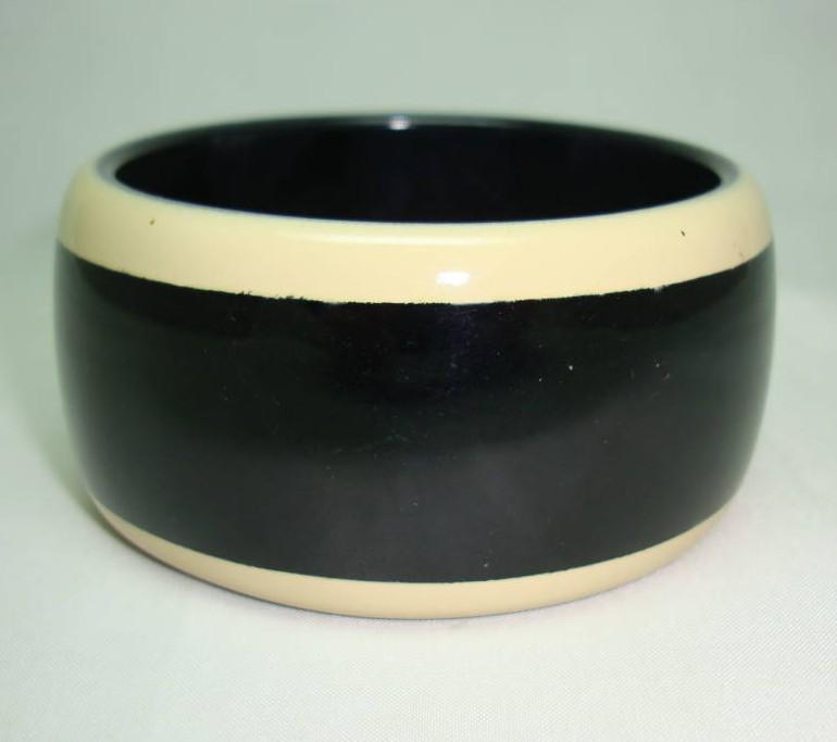 80s Style Chunky Wide Black Plastic BangleTaupe Stripes