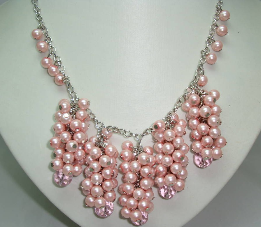 £30.00 - 1950s Style Pink Faux Pearl Bead Cluster Drop Necklace