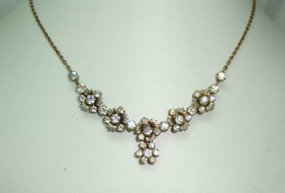 £27.20 - Vintage 30s Quality Articulated Paste Diamante Flower Drop Necklace