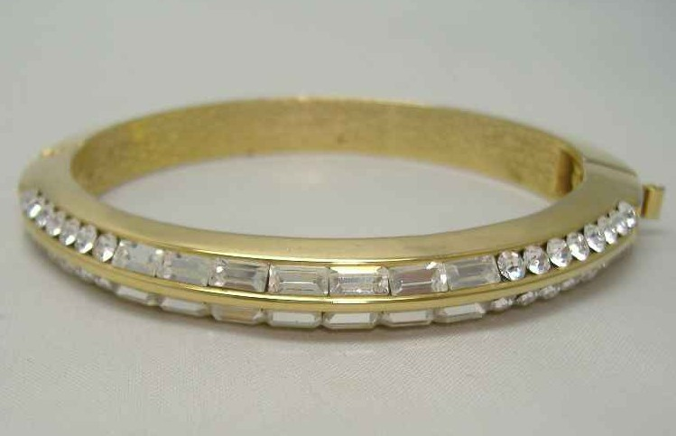 £18.00 - 1980s Quality Sparkling Diamante Gold Bangle Bracelet