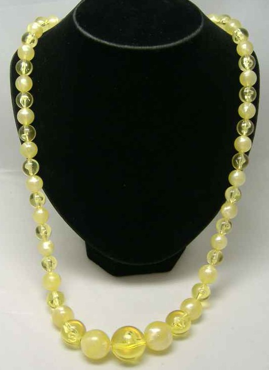 Vintage 50s Chunky Yellow Lucite Moonglow Bead Necklace