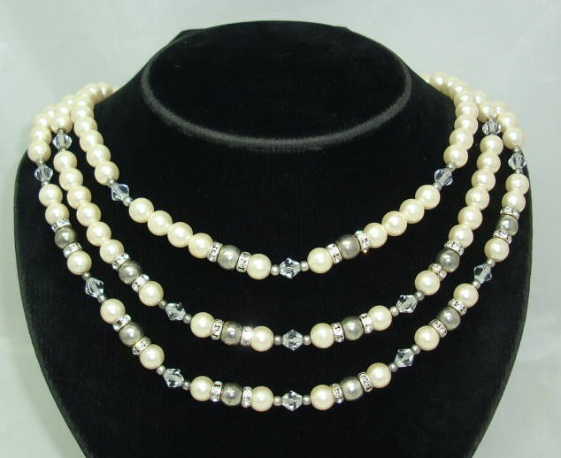Vintage 50s 3 Row Faux Pearl & Diamante Bead Necklace