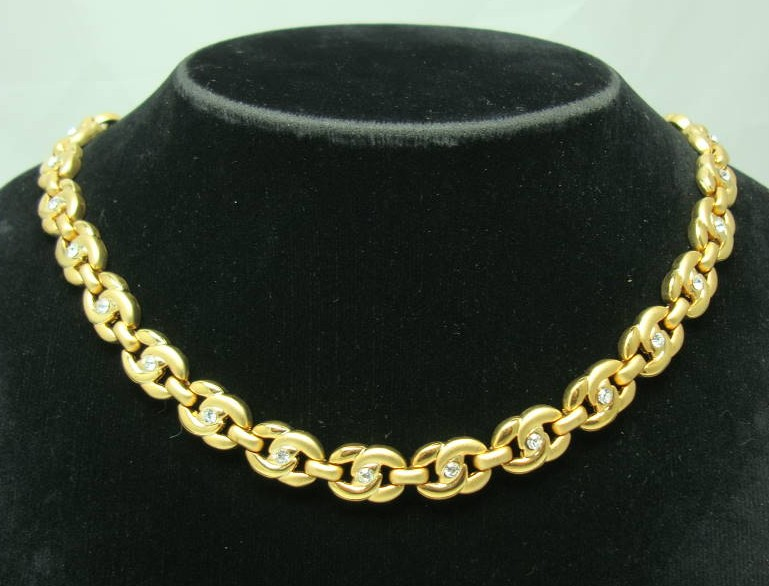 £24.00 - Vintage 80s Stunning Diamante Fancy Gold Link Necklace