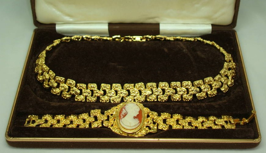 1960s Signed Majestic 22ct Gold Plate Necklace and Cameo Bracelet Set