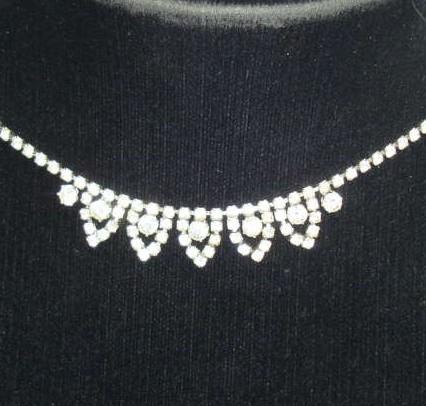 £14.40 - Vintage 50s Sparkling Pretty Diamante Drop Necklace