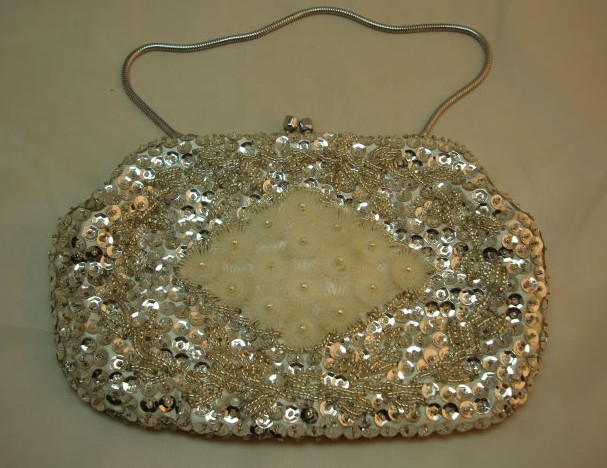 Vintage 50s Silver Sequin and Cream Lucite Flower Evening Bead Handbag