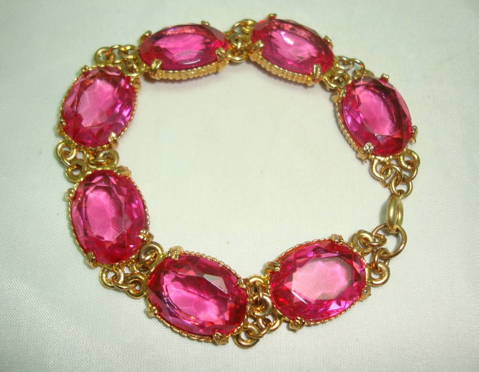 £30.40 - Vintage 50s Sparkling Large Pink Glass Paste Goldtone Bracelet Wow!