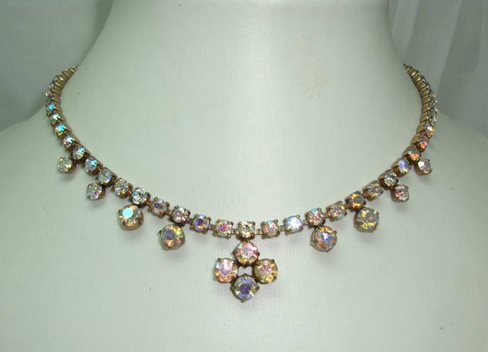 £28.00 - Vintage 50s Sparkling AB Diamante Flower Drop Necklace