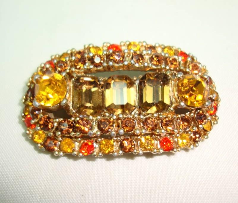 £27.20 - 1950s Unusual Signed Sphinx Amber Citrine Orange Diamante Gold Brooch