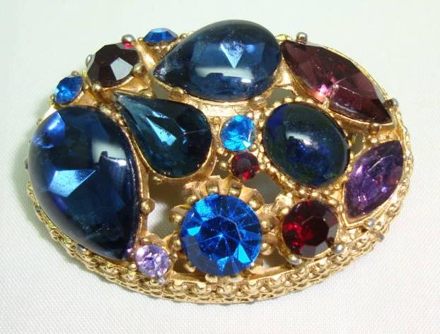 Vintage 50s Sphinx Purple & Blue Glass Diamante Domed Gold Brooch