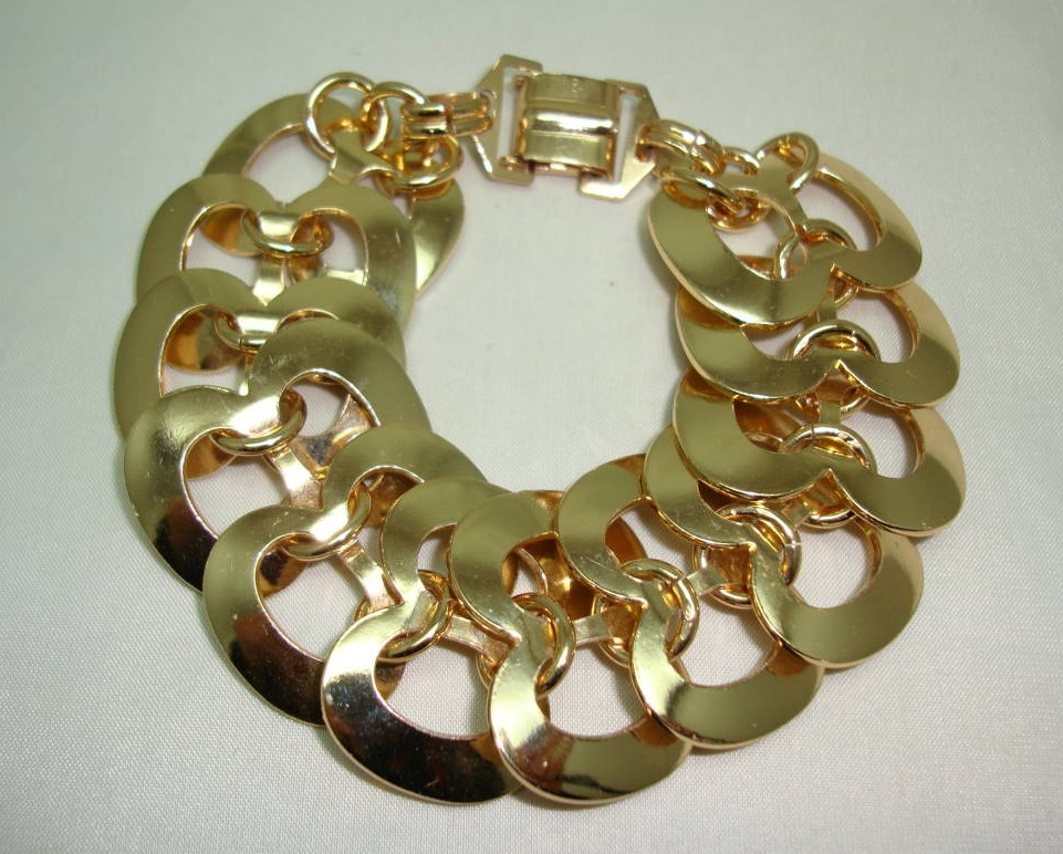 Vintage 50s Attractive Wide Gold Figure of Eight Fancy Link Bracelet