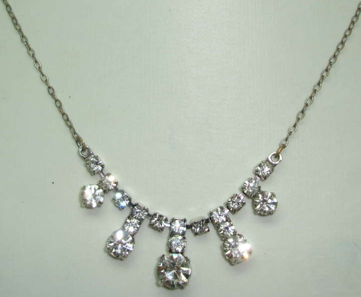 Vintage 50s Glamorous Diamante Paste Drop Necklace on Silver Chain