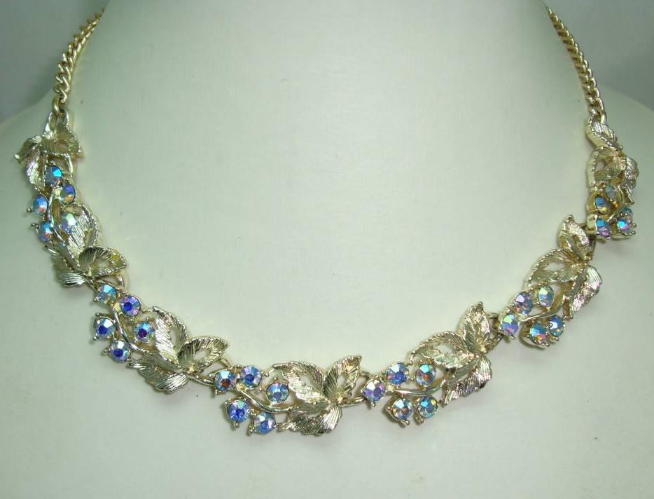 £28.00 - Vintage 50s Beautiful AB Diamante Floral Link Goldtone Necklace