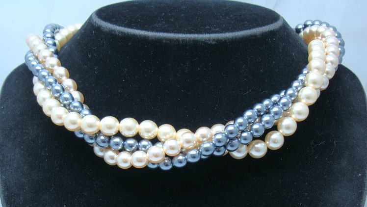 1950s 4 Row Grey & Cream Glass Faux Pearl Bead Neclace