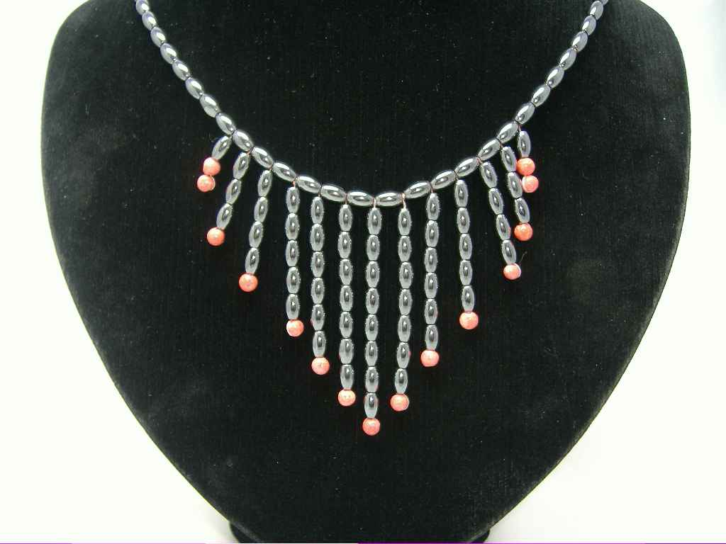 £18.00 - Vintage 80s Amazing Real Hematite & Coral Bead Bib Drop Necklace