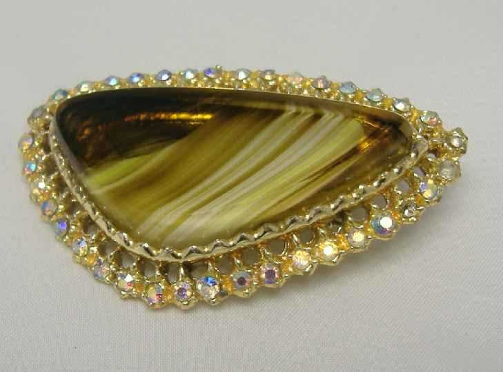 £12.00 - Vintage 50s Agate Glass AB Diamante Modernist Brooch